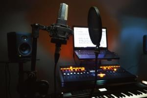 Portfolio for give attractive male/female voiceovers